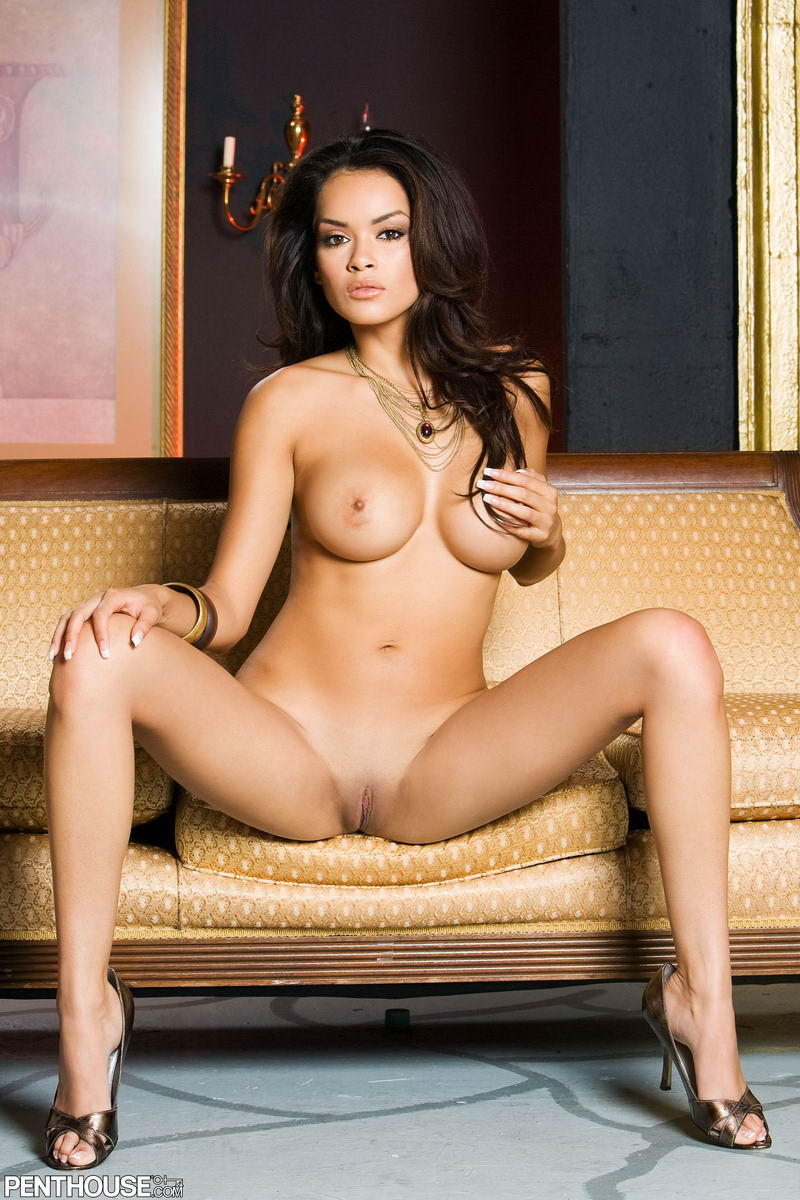 Penthouse Pet Daisy Marie shows her nude shapely hips and butt
